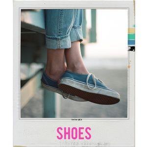 {{Shoes}}